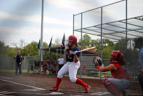 Softball sweeps Senior Night 15-0, 9-4