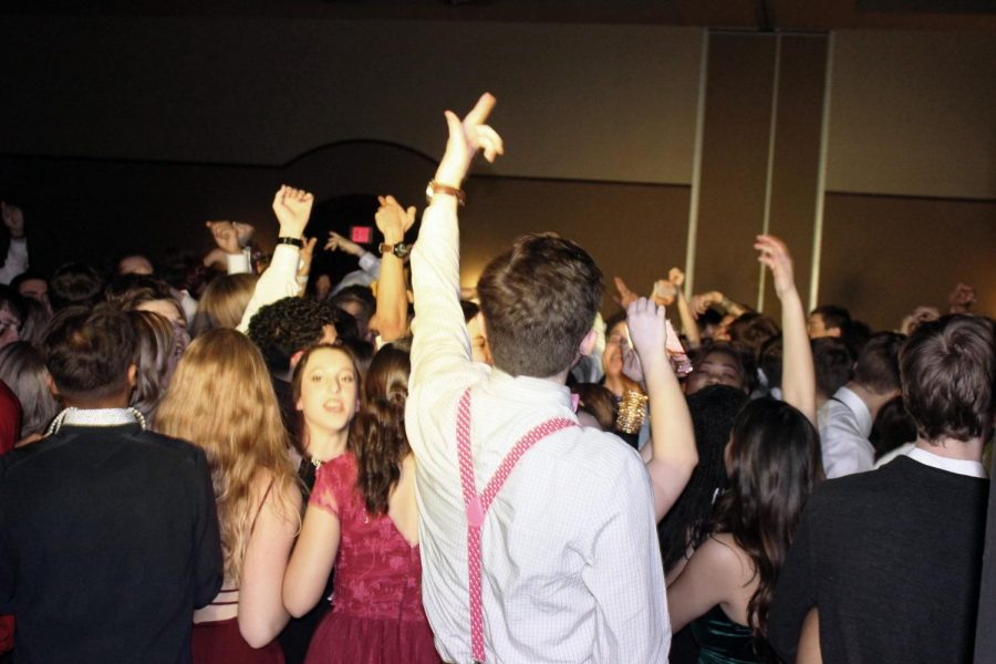 Students party it up at SubDeb