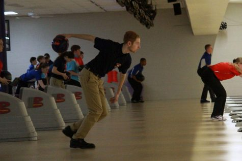 Bowling takes second in home opener