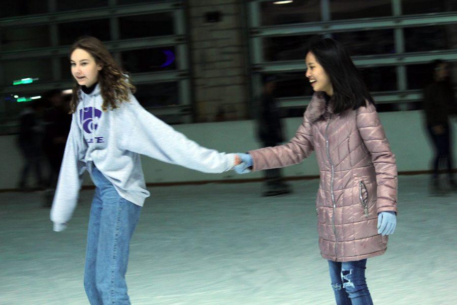 AFS+goes+ice+skating