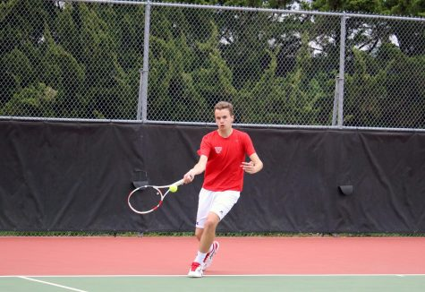 Boys tennis ends first meet of season with new record